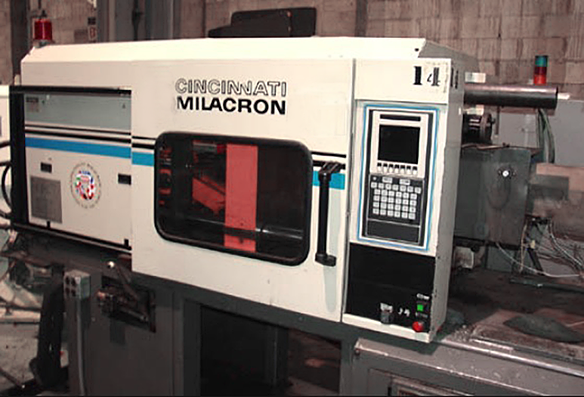 Cincinnati Milicron inejction Molding Machine